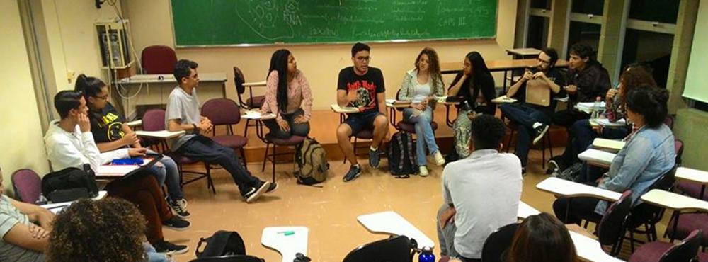 Prorrogadas as inscrições para os Editais de Matemática e História do Cursinho Popular DCE/UFV
